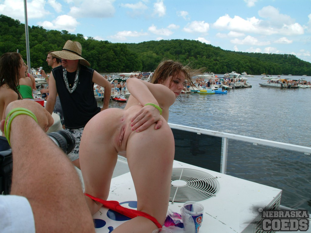 girls havasu Boat lake nude party