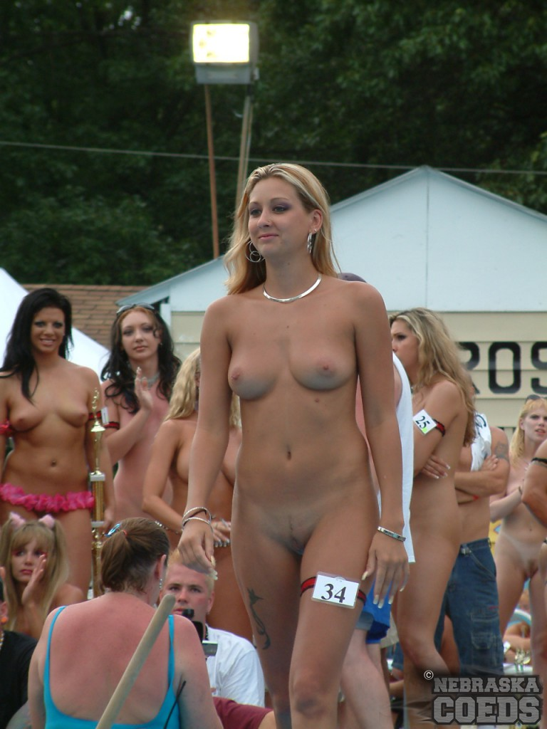 Exact Nudes a poppin gallery for